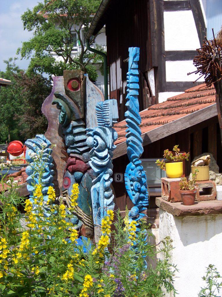 Edes Säulen vor seinem ehemaligen Hobbyhaus