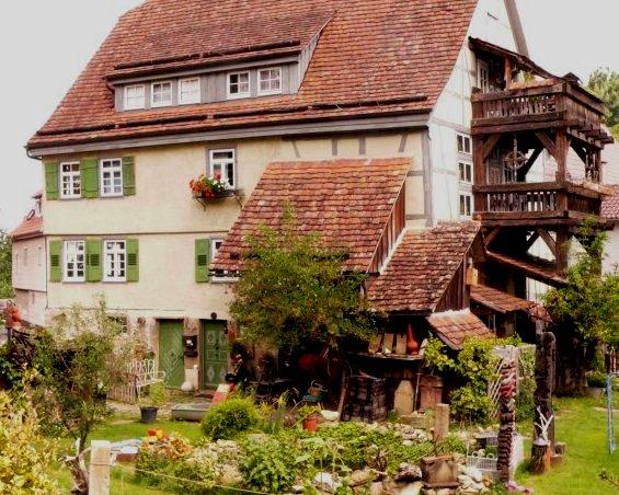Historisches Baudenkmal 1742 in Flacht